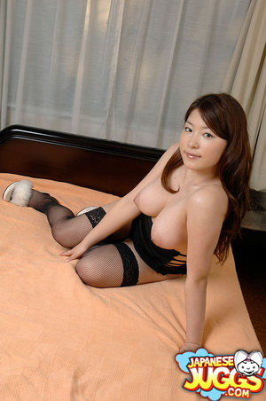 Japanese hottie shows off her big Asian tits